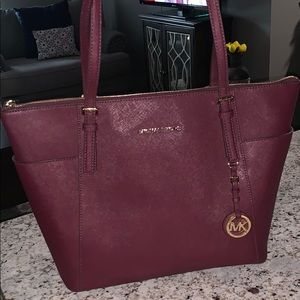 Like new Michael Kors tote! Make an offer!!!!